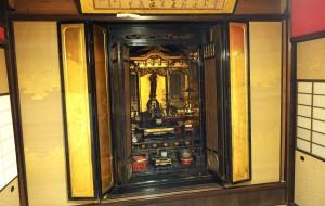 うらら館・仏壇2