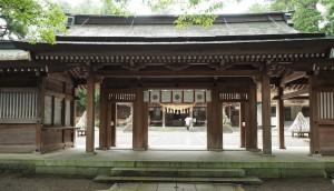白山ひめ神社拝殿
